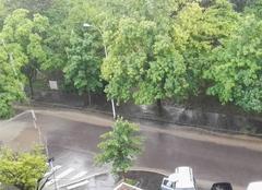 Nuages Dijon 21000 Très grosse pluies intense sous cellule quasi stationnaire