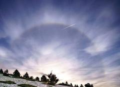 Ciel Beaumont-du-Ventoux 84340 Halo solaire sur le Mont Ventoux