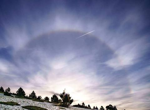 Halo solaire sur le Mont Ventoux