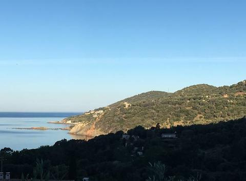 Baie de Cargèse vue de Menasina