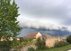 Nuages Germainville 28500 Arrivée de l'orage