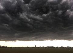 Nuages Hangest-en-Santerre 80134 L'orage arrive
