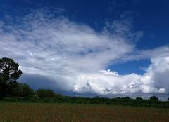 Nuages Messimy-sur-Saone 01480 Ciel de giboulées