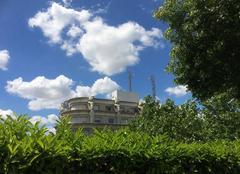 Ciel Paris-12 75012 Un écrin de verdure pour de beaux nuages blancs