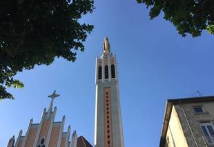 Ciel Romans-sur-Isere 26100 Notre-Dame sous ciel estival