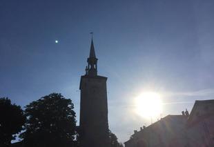 Ciel Romans-sur-Isere 26100 Soleil couchant sur la tour Jacquemart