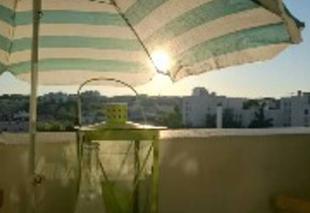 Ciel Paris-20 75020 été au balcon