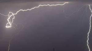 Orage Saint-Saturnin-sur-Loire 49320 Orage dans le Maine et Loire hier soir