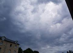 Orage Morigny-Champigny 91150 Le tonnerre gronde ce matin