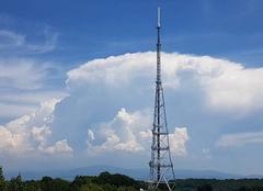 Orage Mulhouse 68100 Nuage d'orage en formation qui gonfle de plus en plus
