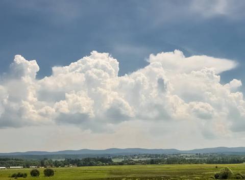 Formation orageuse sur les vosges photos prise depuis sarrebourg 57