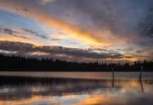 Ciel Besse-et-Saint-Anastaise 63610 Coucher de soleil Lac Pavin
