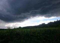 Ciel Fleurey-sur-Ouche 21410 Ciel noir sur la Côte d'Or