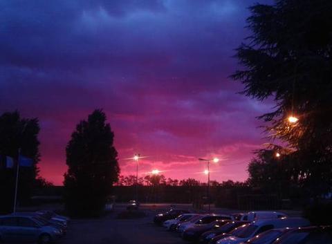 Couché de soleil sur ciel orageux