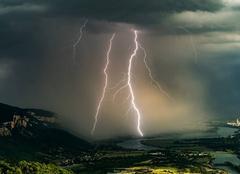 Orage Serrieres-de-Briord 01470 Ambiances orageuse de l'ain
