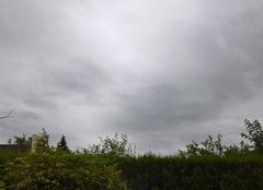 Nuages Bonsecours 76240 Très nuageux, pluie faible