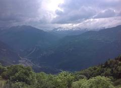 Orage Notre-Dame-du-Pre 73600 Orages en formation en Savoie