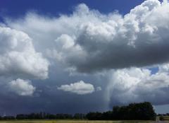 Nuages Fresnoy-Folny 76660 Rideau de pluie