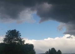 Ciel Froideconche 70300 Du bleu  du blanc du gris
