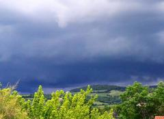 Orage Aze 71260 L'orage arrive