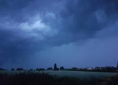 Orage Le Val-David 27120 Arrivée d'un gros orage