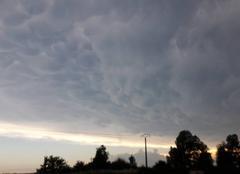Nuages Valence 26000 Avant l'orage