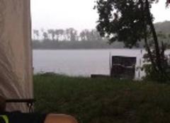 Orage Laives 71240 Sous la pluie sur le lac de Laives