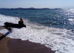 Mer Fréjus 83600 Un peu de fraîcheur sur la plage.