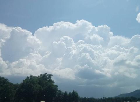 Beau gros nuage
