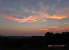 Ciel Chamberet 19370 Le coucher du soleil au milieu de l'été