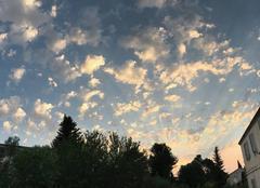 Ciel Rochefort-du-Gard 30650 Jolis nuages d'été