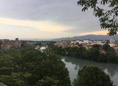 Nuages Romans-sur-Isere 26100 Ciel menaçant sur l'Isère ce soir