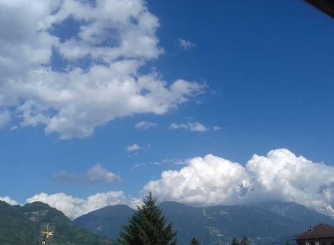 Mont-Blanc ennuagé