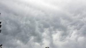 Nuages Vaumas 03220 En attendant la pluie
