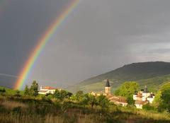 Pluie Emeringes 69840 Arc en ciel dans le beaujolais