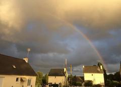 Ciel Plouha 22580 Après la pluie, l'arc-en-ciel fait son apparition