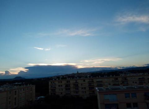 Bonsoir nuage d'orage en vue