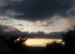 Ciel Jouy-Mauvoisin 78200 Très beau ciel annonçant la pluie pour la nuit
