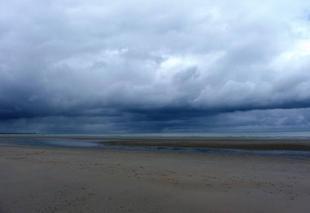 Ciel Dunkerque 59140 Mer du Nord - plage de Dunkerque-Malo les Bains- ce matin 29/06