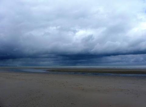 Mer du Nord - plage de Dunkerque-Malo les Bains- ce matin 29/06