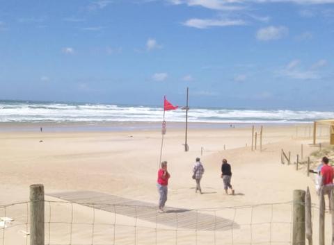 Tempête à la plage