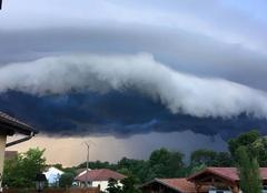 Nuages Saint-Clair-de-la-Tour 38110 L'orage arrive