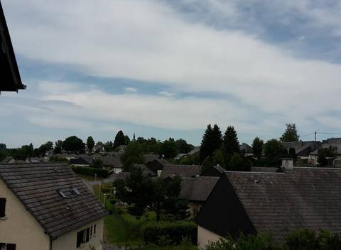 Ussel sous les nuages en Corrèze
