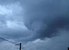 Nuages Bray-sur-Seine 77480 Formation d'un nuage de pluie