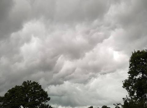 Nuages avant orage à Saint-Junien
