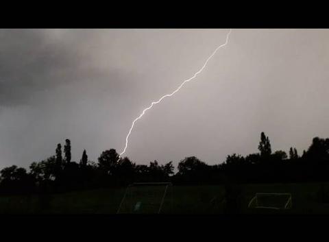 Violent orage sud ouest