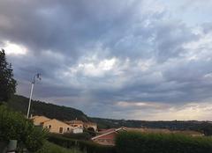 Nuages Saint-Barthelemy-de-Vals 26240 Ciel chargé