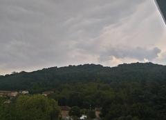 Ciel Bourgoin-Jallieu 38300 Nuageux avant l'arrivée des orages.