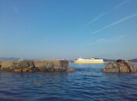 Mer d' huile dans la rade de TOULON