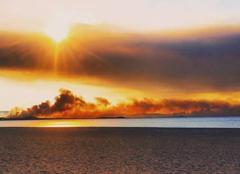 Catastrophe La Londe-les-Maures 83250 Ce matin ... réveil rougeâtre